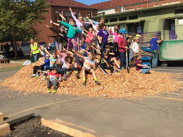 Vernon students on mulch