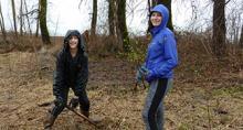 Volunteers at Steigerwald Lake National Wildlife Refuge